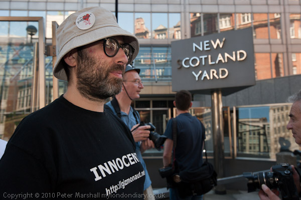 Innocent at New Scotland Yard (c) Peter Marshall